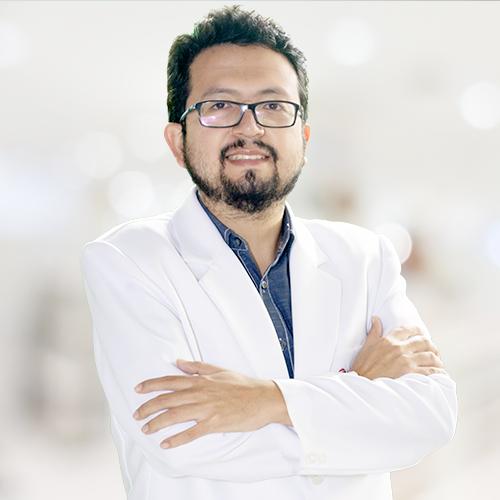 Dr.  César Alatrista García