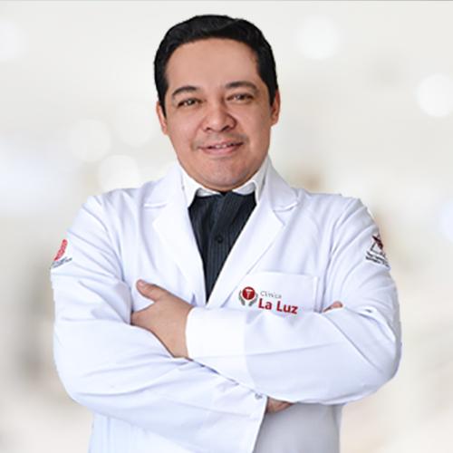 Dr. César Calderón Alfaro