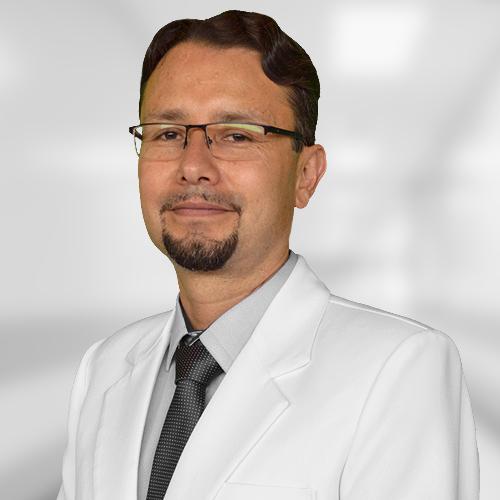 Dr. Álvaro Israel Gamarra Astete