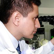 Dr. Edgar Gonzáles Dávila