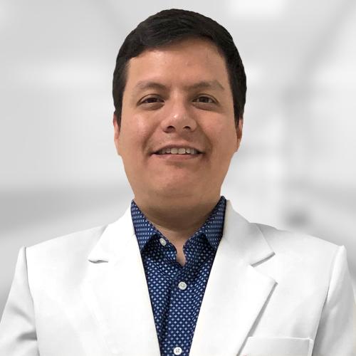 Dr. Amed Ramírez Vivanco