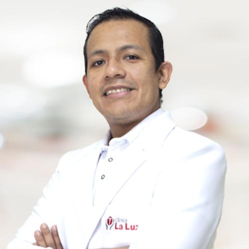 Dr. Ronald Saavedra Guerra